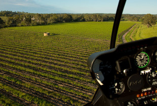 barossa-helicopters-barossa-valley-flights-adelaide-hills-taking-off
